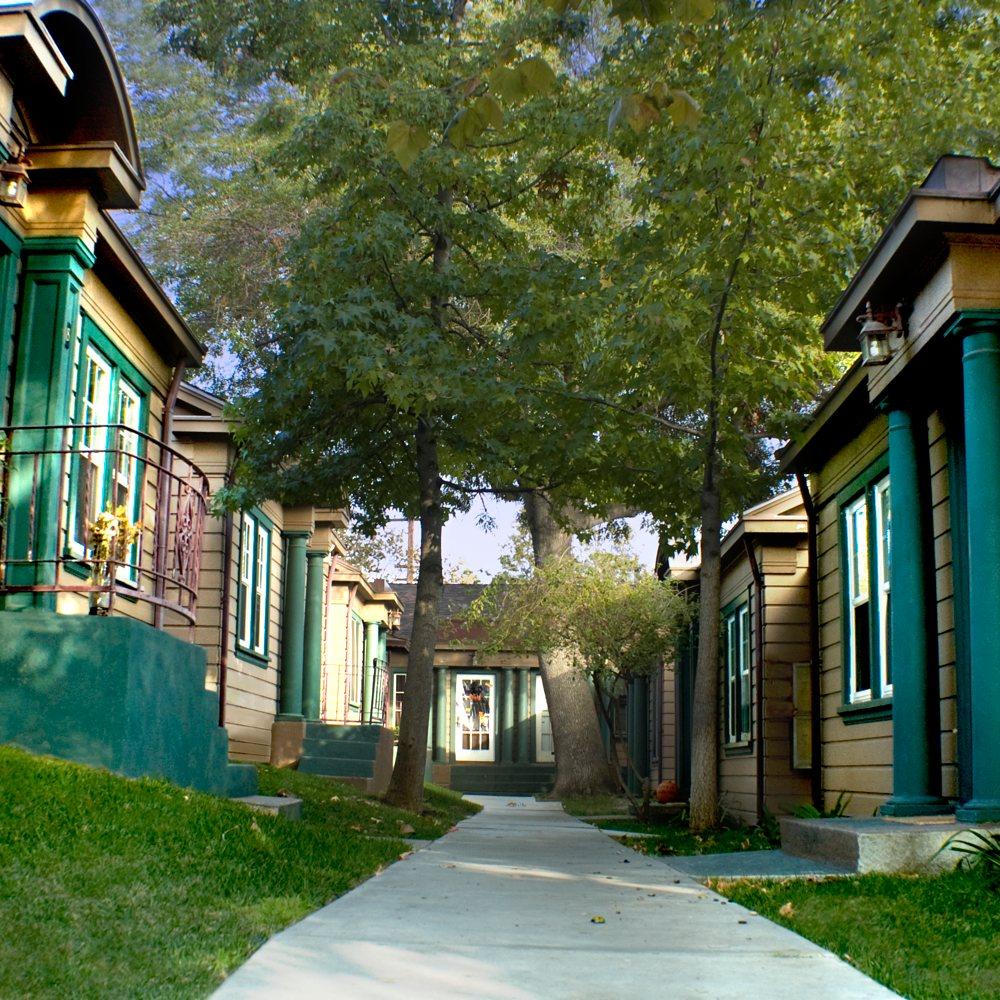 Bungalows / Ivar Residence Hall