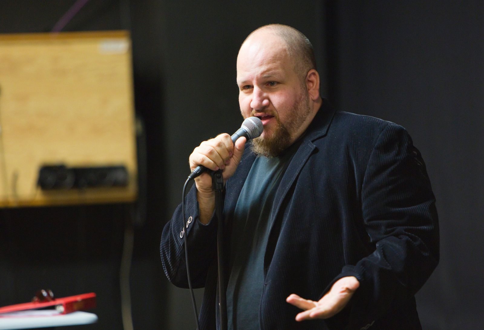 Stephen Kramer Glickman talks to new AMDA students during Fall 2012 Orientation week.