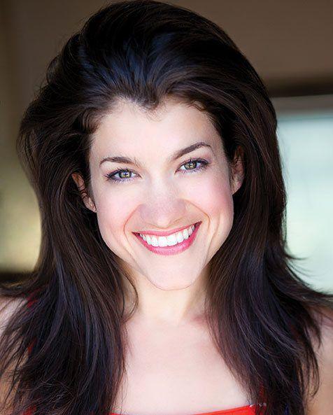 AMDA alumna Sarah Stiles