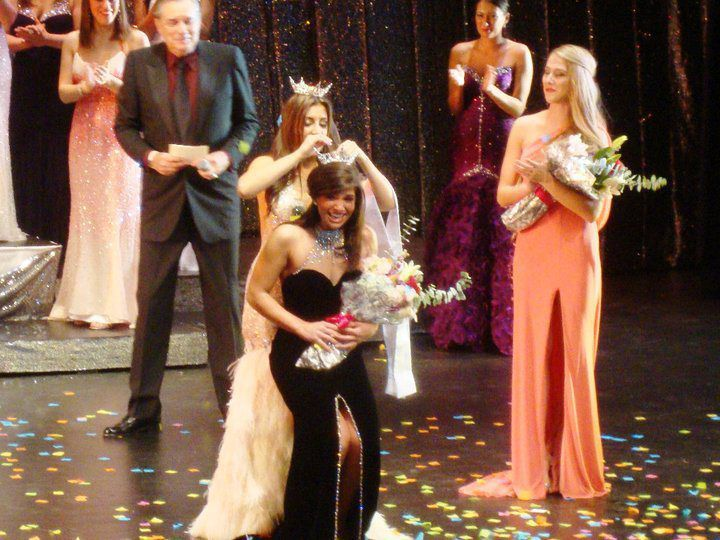 Maria Scirillo getting crowned as the 2011 Miss Philadelphia